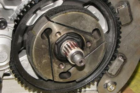 maintenance_clutch_bearing_05.jpg